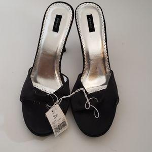 Xhilaration claire heels